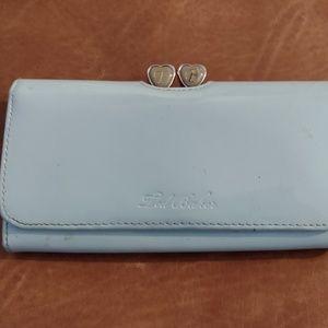 Powder blue heart clasp wallet